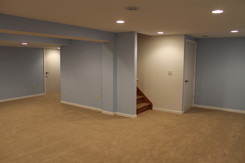 Basement remodeling bedroom bathroom and walk in closets for Walk in basement